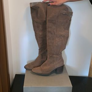 Gorgeous Knee High Boots Size 10
